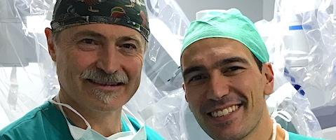 Giovanni Ferrari Urologo Andrologo insieme a Simone Crivellaro dopo avere effettuato due interventi di chirurgia robotica